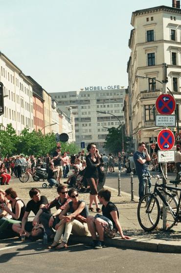 1er Mai à Oranienstrasse, Kreuzberg, vur sur Möbel Olfe