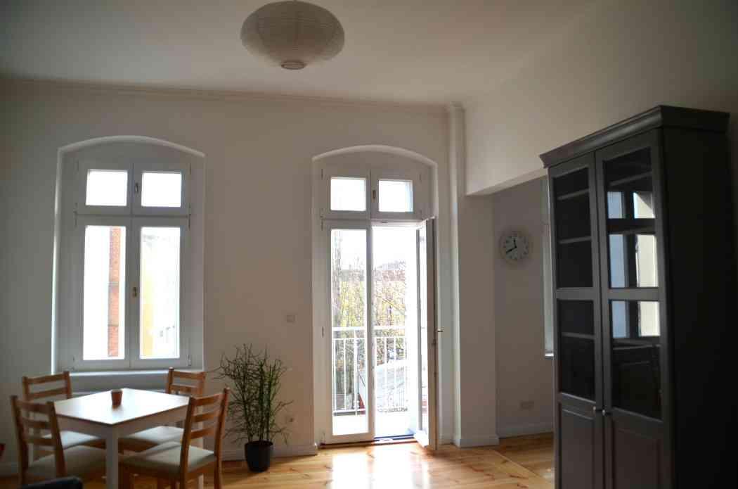 Salon vers cuisine appartement - Appartement a louer berlin ...