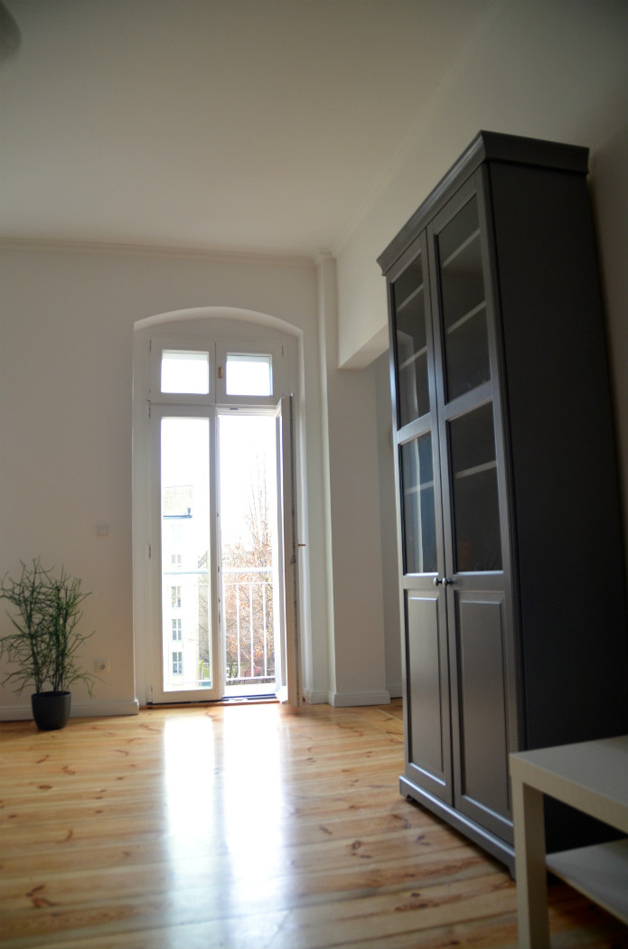 Salon vers le balcon appartement - Appartement a louer berlin ...