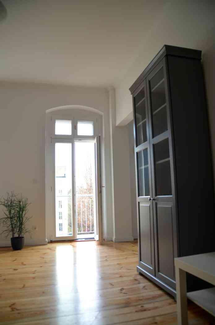 Salon vers le balcon appartement - Appartement a louer berlin ...