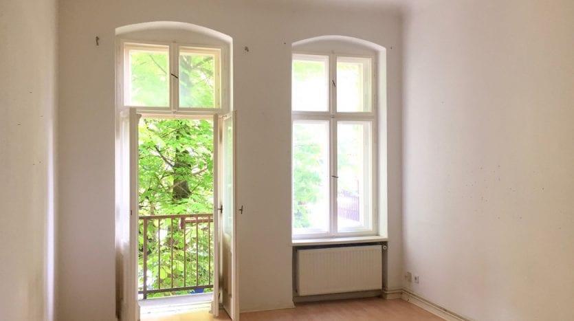 Chambre principale avec balcon