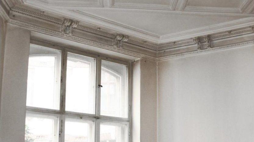 Très joli plafond sublimé par une grande ouverture