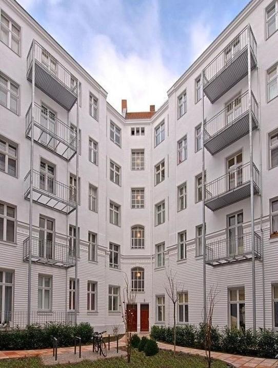 Cour immeuble pau4 appartement - Appartement a vendre berlin ...