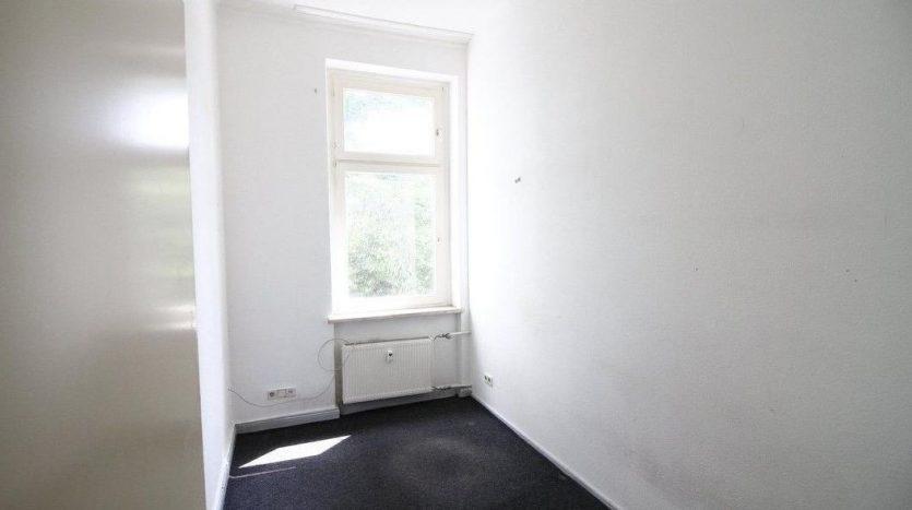 Autre chambre avec une fenêtre orientée au sud (room 3)
