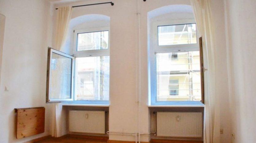 Grandes fenêtres orientées au sud