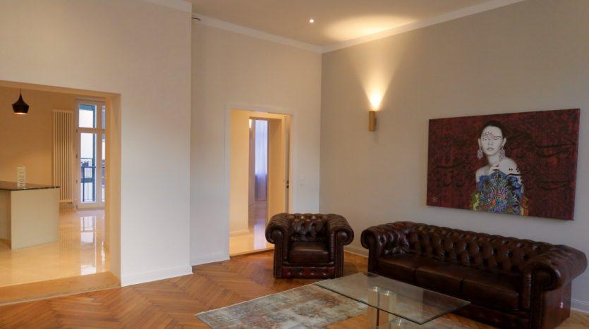 Salon avec meubles en cuir