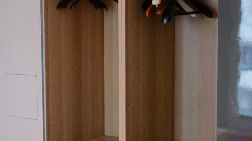 Rangements dans l'armoire