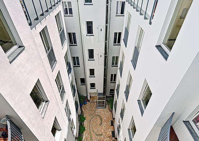 Autre vue de la cour intérieure de l'immeuble