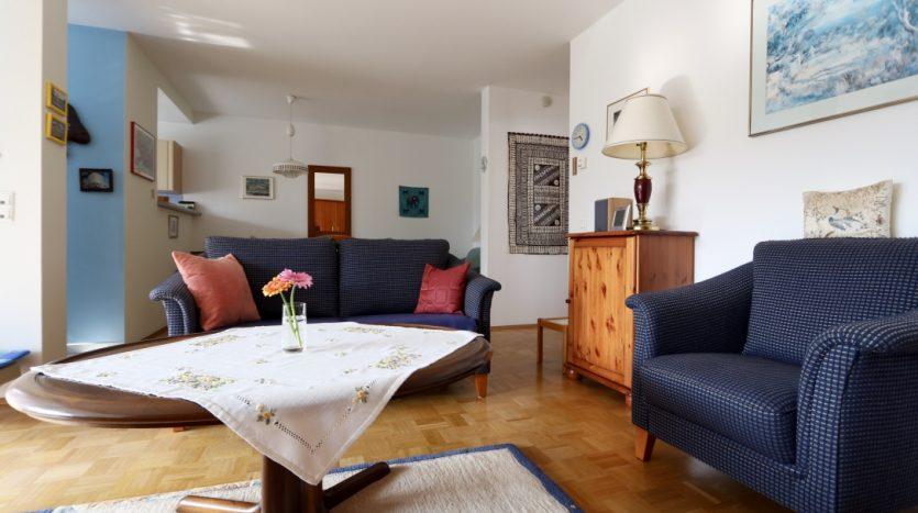 Salon avec balcon