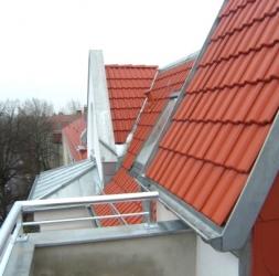 4 Pièces sous les combles rénové avec 2 balcons à Pankow